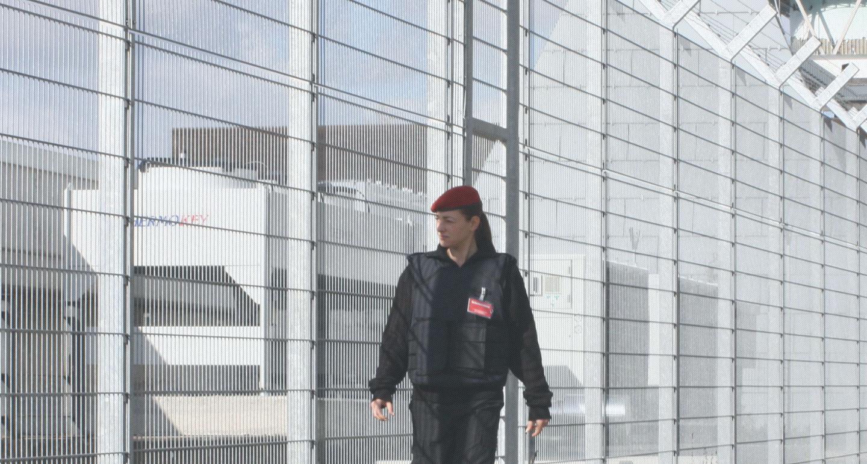 Hannover Sicherheit / Security Patrouille Werkschutz Objektschutz